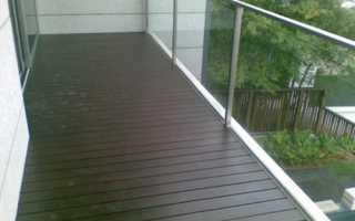 Чем обработать деревянный пол на балконе квартиры?