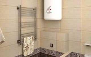 Можно ли вешать полотенцесушитель над ванной?