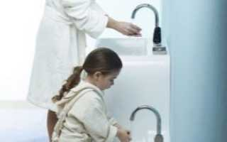 На какой высоте крепится раковина в ванной?