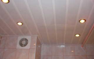 Как правильно крепить пластиковые панели на потолок?