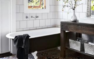 Как реставрировать ванную комнату своими руками?