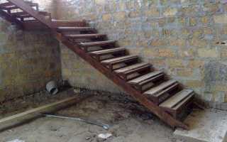 Как сварить лестницу из металлического уголка?